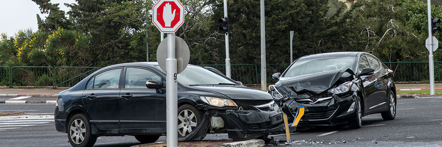 Common causes of intersection crashes