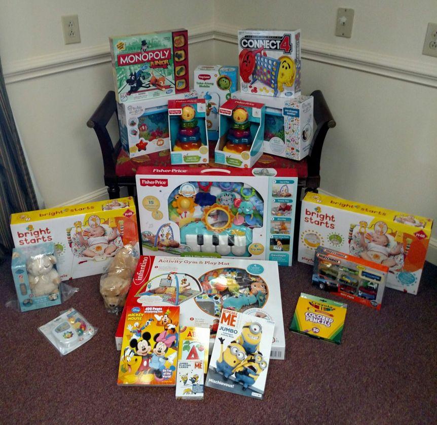 Campaña de Juguetes para el Levine's Children Hospital